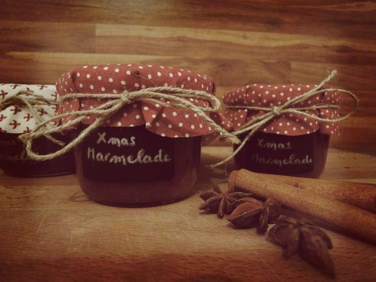 Weihnachtliche Marmelade mit Pflaumen, Apfel und Zimt