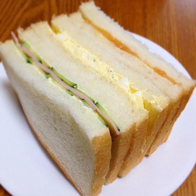 ハムきゅうり、玉子サラダ、白桃ジャム - 10件のもぐもぐ - 朝のサンドウィッチ by なお。
