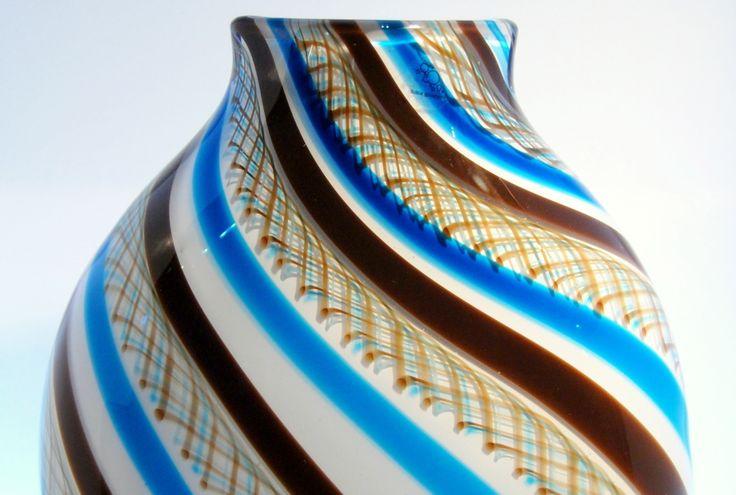 Boble glasshytte åpnet sine dører for publikum i november 2009. Glasshyttas absolutte midtpunkt og varme hjerte er smelteovnen, og i verkstedet blir den glødende varme, levende glassmassen bearbeidet med kjærlighet og lidenskap til kaldt, hardt, skjørt, vakkert glass.