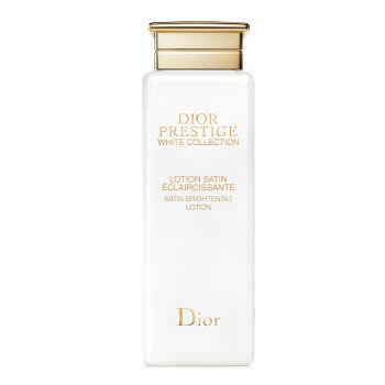 【お肌に爽やかさと輝きを吹き込む化粧水】クリスチャンディオール(Christian Dior) プレステージ ホワイト コレクション サテン ローション   メーカー希望小売価格  16,200 円(税込) ⇒販売価格10,440円【36%OFF】***お肌を柔らかく整え、なめらかでうるおいに満ちた明るい艶肌へ導く、リッチな感触の薬用化粧水。   日焼けによるほてりをやわらげ、上質なうるおいで満たしながら、柔らかな肌へと導きます。  朝晩、洗顔のあと、コットンにたっぷりと含ませ、顔の中心から外側へなじませます。