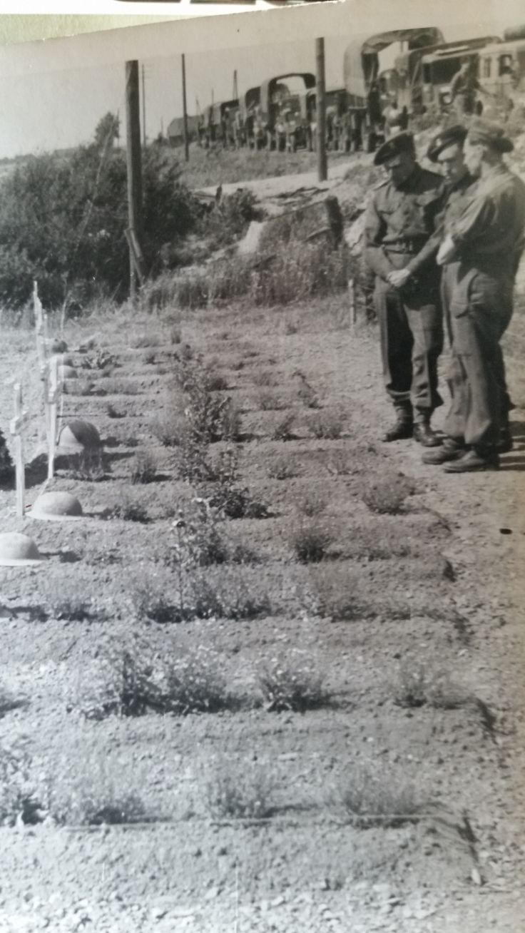 Men of 4 RWF visit comrades graves killed on St David's Day 1st March 1945.
