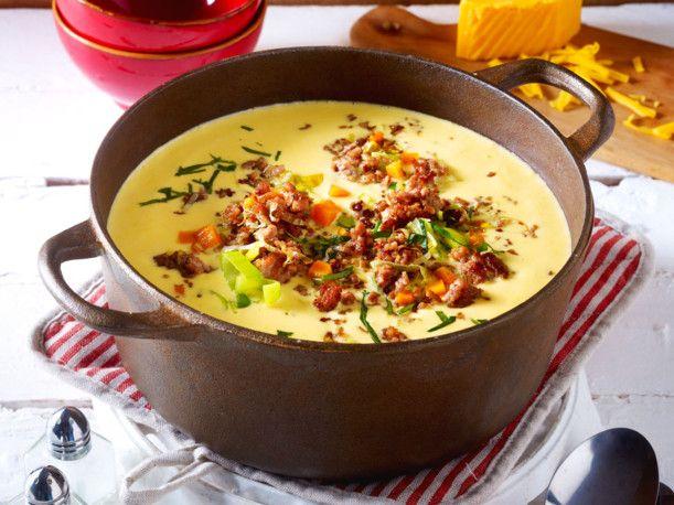 Unser beliebtes Rezept für Käse-Porree-Suppe mit Hack-Topping und mehr als 55.000 weitere kostenlose Rezepte auf LECKER.de.