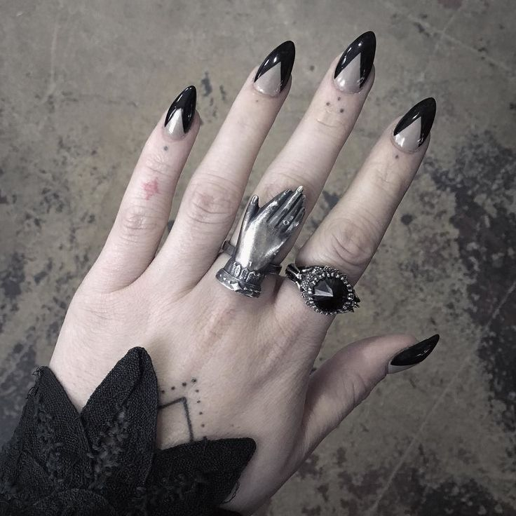 In my opinion one of the best events in the handmade world is @bloodmilk's Death & Taxes Sale and it's happening right now! Check out @bloodmilk for all of the Sale details and discount code! In this picture I'm wearing the Lily Dale Spiritualist ring next to the Belonging to the Darkness ring two of my favorites! #bloodmilk #bloodmilkjewels #supporthandmade by poisonappleprintshop