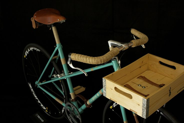 wooden bicycle basket laurel natural. Find your own color combinations now!