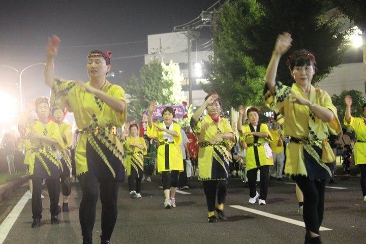 yang saya ketahui seperti parade yosakoi yang diadakan setiap tahun 1 di taman bungkul surabaya :)) tp bedanya ini omatsuri yang diikuti oleh orang yang sudah berumur.
