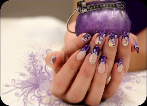 misc purple nail art by Tartofraises