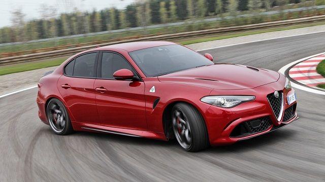 Alfa Romeo dévoilerait une variante coupé de la Giulia au salon de Genève. Baptisée Giulia Sprint, elle irait battre le fer avec les AudiA5, BMW Série4 et Mercedes Classe C coupé. La révélation d'une Giulia 2 portes ne serait qu'une demi-surprise. Le précédent PDG d'Alfa Romeo, Harald Wester, avait révélé l'an dernier à la presse …