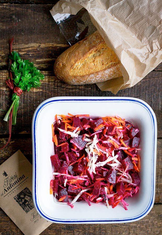Vitaminový salát zčervené řepy