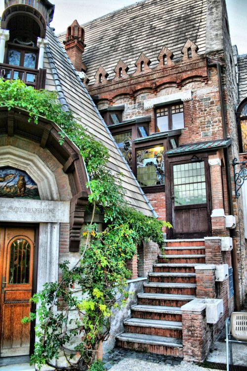 Villa Torlonia in Rome, Italy - ASPEN CREEK TRAVEL - karen@aspencreektravel.com