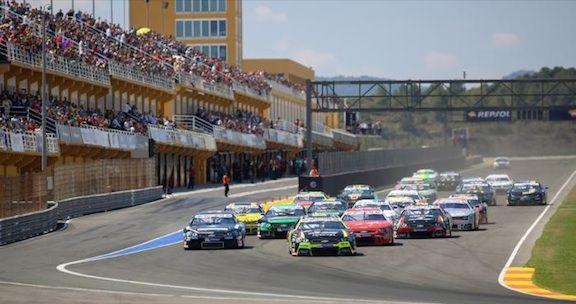 American Fest y Carreras de Nascar en el Circuito de Valencia - http://www.valenciablog.com/american-fest-y-carreras-de-nascar-en-el-circuito-de-valencia/