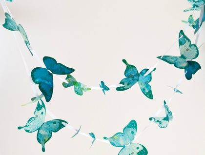 This is a really fun and easy little craft activity for the young child aged 3 and up which gets a lovely result no matter what the level of skill .The butterflies have holes punched in them and the activity involves threading the butterflies onto the ribbon provided using the super safe plastic ne...