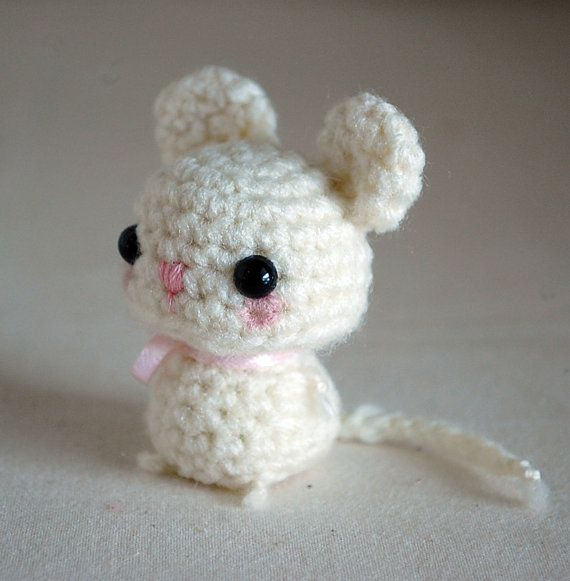 Free Crochet Pattern For Minnie Mouse Amigurumi : White Mouse - Kawaii Mini Amigurumi Mini Mouse, Mice and ...