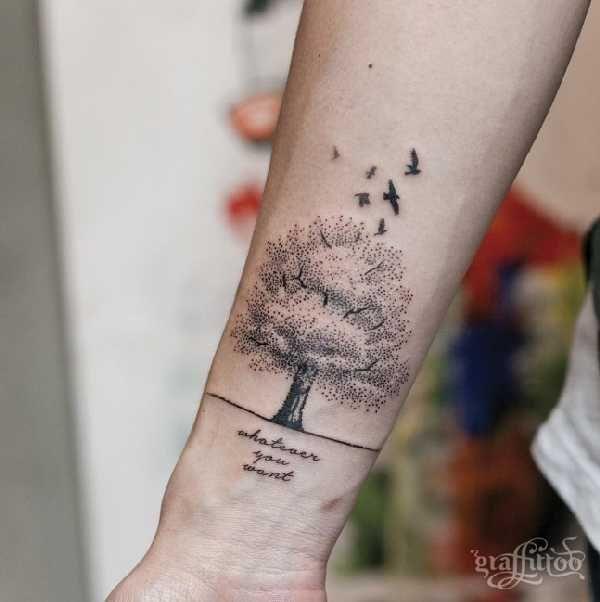 die 25 besten ideen zu baum tattoo auf pinterest tatoo tree baum rmel t towierung und. Black Bedroom Furniture Sets. Home Design Ideas