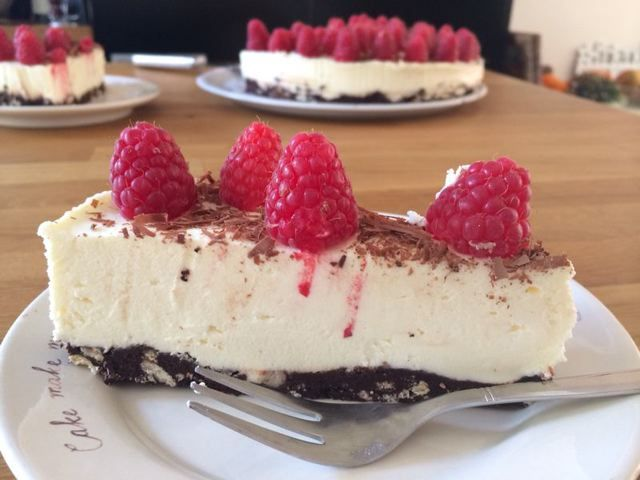 Want to go to cheesecake heaven? You can find the recipe in the link below. #cheesecake #baking #happystepz #food http://happystepz.blogspot.nl/2015/02/cheesecake-heaven.html