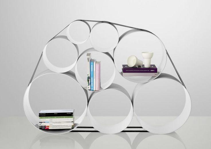 Il sistema di archiviazione 0 to 100 storage, prodotto da Muuto e disegnato da Pil Bredahl, è un oggetto di design realizzato in fibra di vetro che si ...