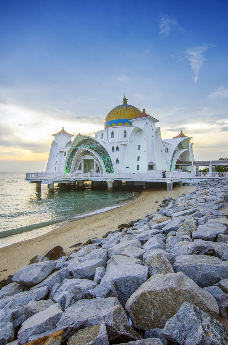 Tour the World Heritage–listed city of Malacca on a fantastic day trip from Singapore!