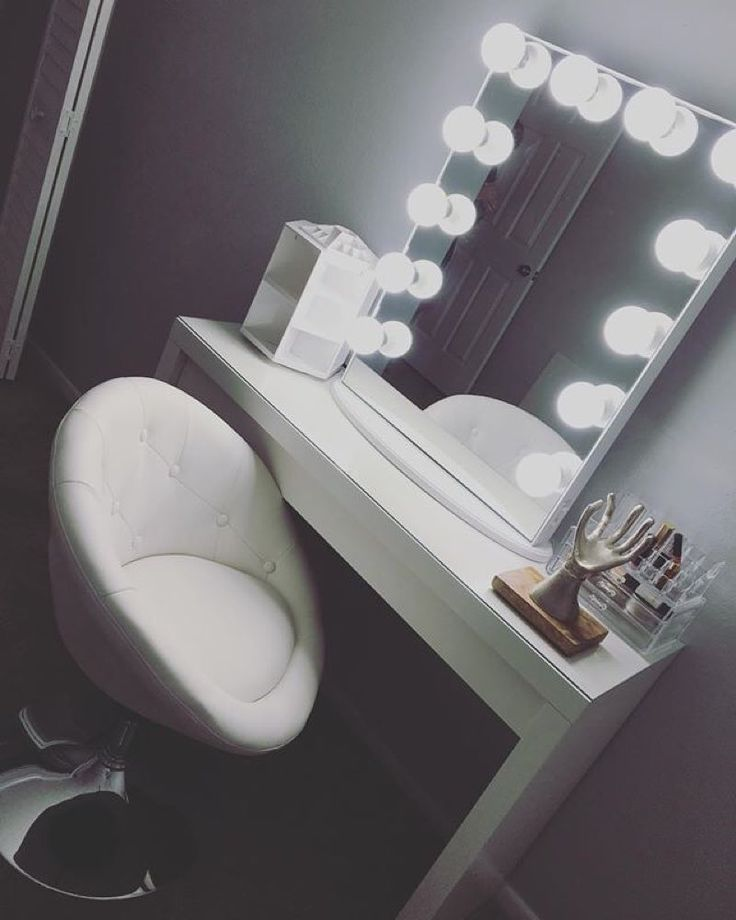 Glad you're happy! Get @theblondelatte's pretty white vanity look with the #ImpressionsVanityGlowXL rotating organizer and swivel vanity chair all available from our website at impressionsvanity.com! #everythingvanity Featured: Impressions Vanity Hollywood Glow XL in White with Frosted LED Bulbs #repost @theblondelatte Third times a charm ;) I have to say I am happily surprised with this mirror! I decided to go one size down from the Larger I had original received and this one came in…