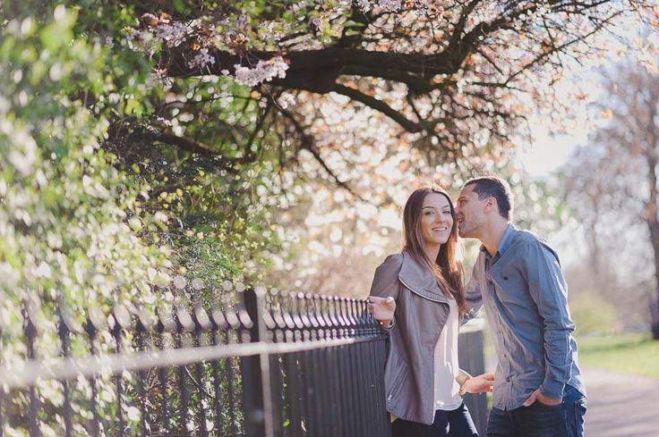 #Engagement session in London. #Pre-wedding photo shoot.