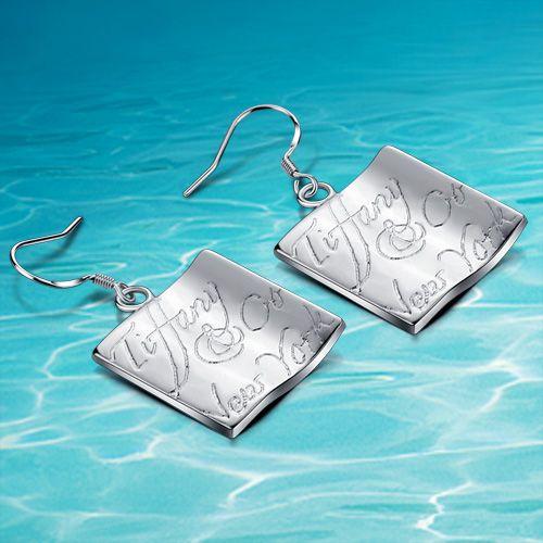 Итальянские ювелирные изделия. простой квадратный серьги выгравированы буквы. щедрый и элегантный леди серьга. женщины серьги
