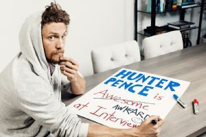 Hunter Pence writing a sign at his home 2014