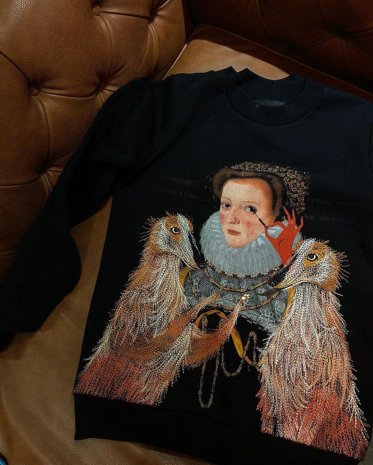 Lady&Dog sweatshirt Katya Dobryakova  by FW17/18 collection. #katyadobryakova #катядобрякова #свитшот #sweatshirt #lady #dog #embroidery #вышивка #fw1718