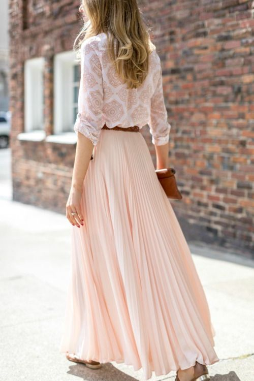 I love this color and would definitely like a really long skirt like this for spring/summer.
