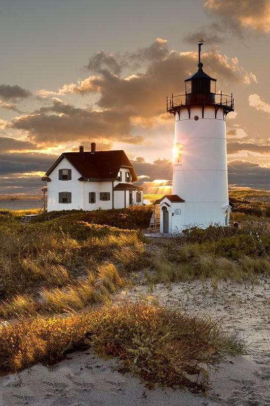 Race Point #Lighthouse http://www.roanokemyhomesweethome.com