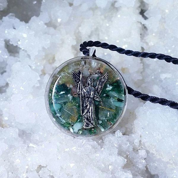 For all light workers! Orgonite pendant Archangel Raphael from ElveMagic by DaWanda.com