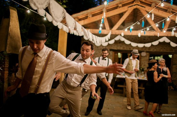swing wedding - bailar swing - Boda hipster - hipster wedding  - Boda rustica - La Vinyassa - boda rustica - boda en bosque - forest wedding - Sara lazaro