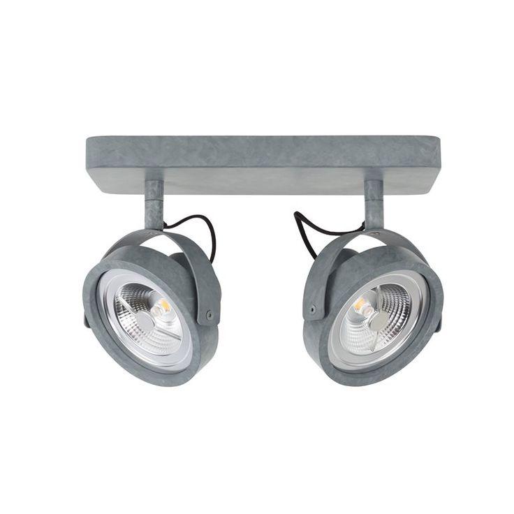 Overdag is de Zuiver Dice LED plafondspot een subtiele decoratie aan jouw wand of plafond. 's Avonds zorgt de spot voor een prachtig, sfeervol en warm licht. Ideaal om je lievelingsschilderij mee uit te lichten of gebruik als basisverlichting!