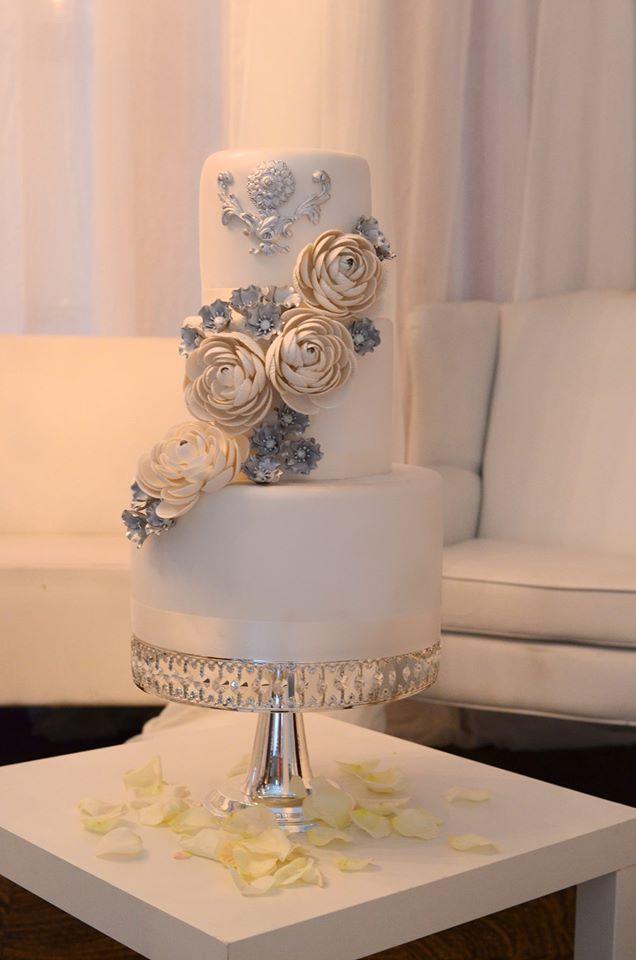 Brilliant Daily Wedding Cake Inspiration - MODwedding: