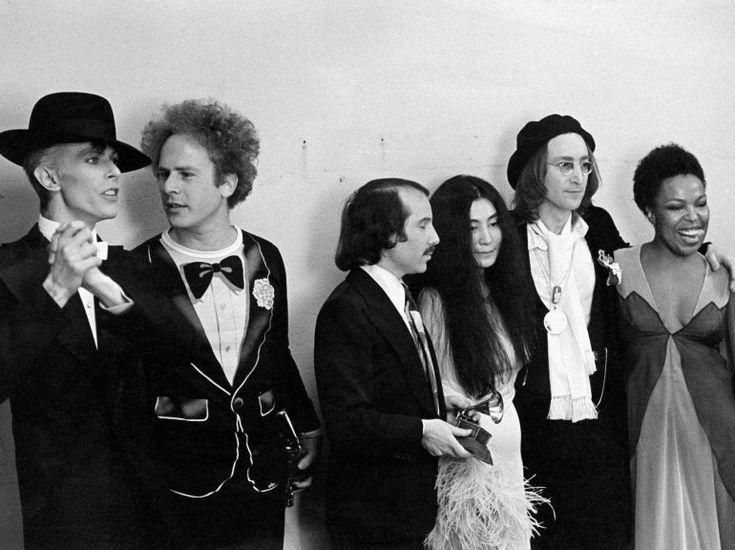 David Bowie, Art Garfunkel, Paul Simon, Yoko Ono, John Lennon et Roberta Flack, Grammy Awards,  1975.