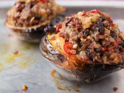 This looks amazing!! Definitely perfect for fall!  Sunny's Italian Sausage-Stuffed Acorn Squash Recipe : Sunny Anderson : Food Network