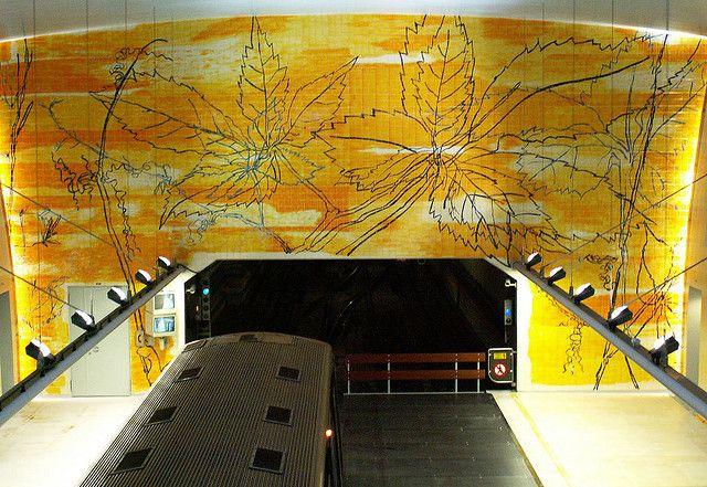 Graça Morais | Estação / Station Amadora Este | Metropolitano de Lisboa / Lisbon Underground | 2004 #Azulejo #GraçaMorais #MetroDeLisboa