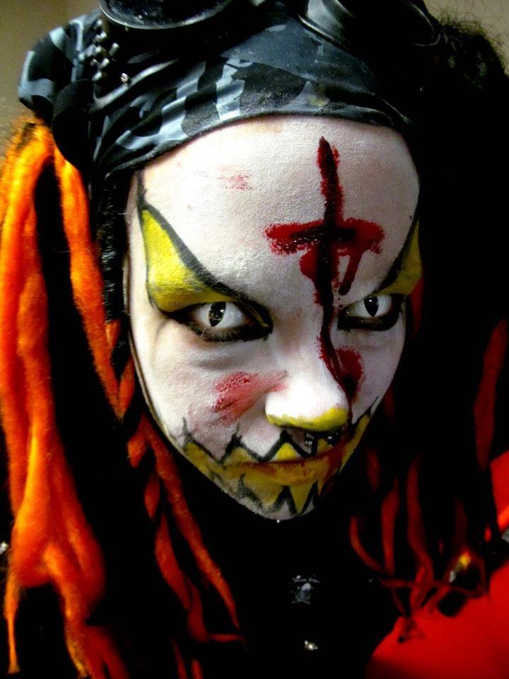 4253c0b7ca88166cba685715af872f2e creepy circus creepy dolls