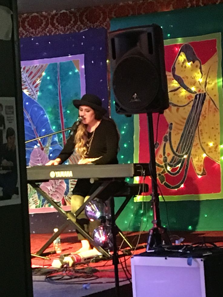 Willow and the Wolf: March 19, 2016 in Olympia, WA