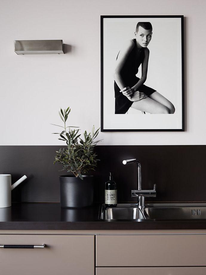 Interior: minimal and moody - My Dubio