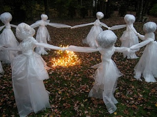 For Halloween: Halloween Decor, Ghosts, Front Yard, Halloweendecor, Circle, Yard Decor, Halloween Ideas, Drop Clothing, Lawn Decor