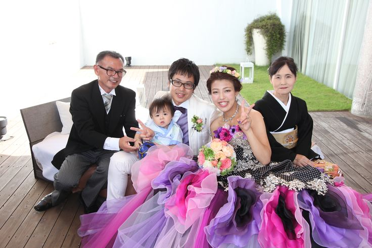家族と一緒に記念の写真