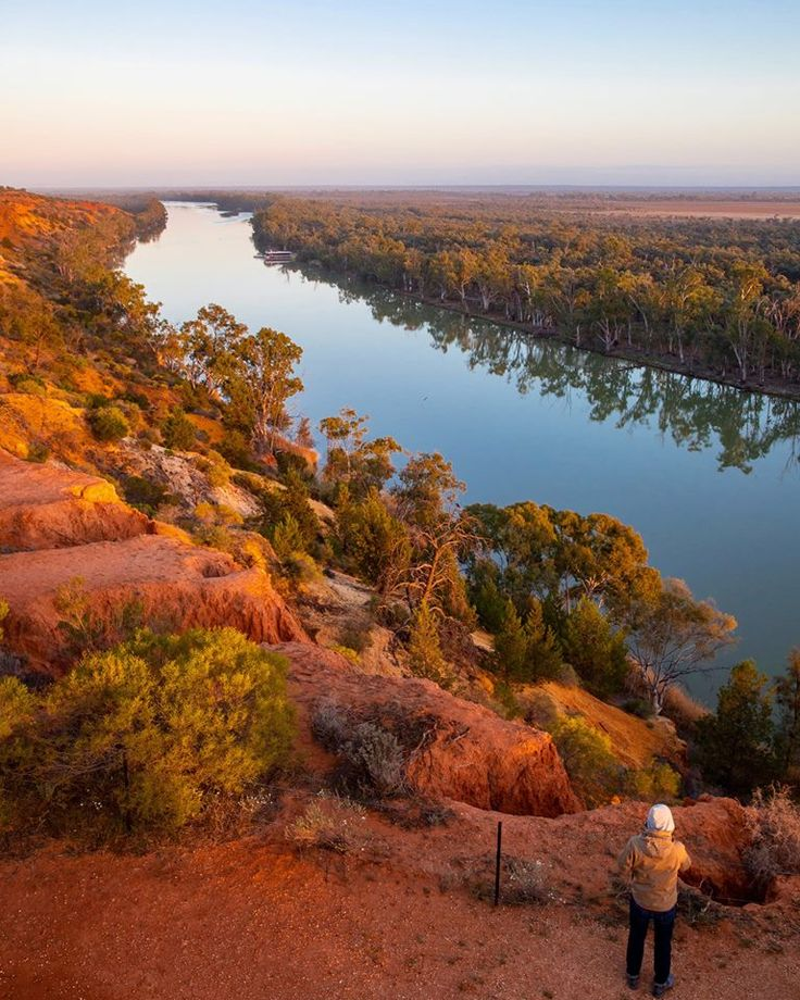 South Australia‏Verified account @southaustralia   Morning, noon or night, the magic of @MyRiverland's #Murray http://bit.ly/MurrayLakesCoorongSa … #TTOT