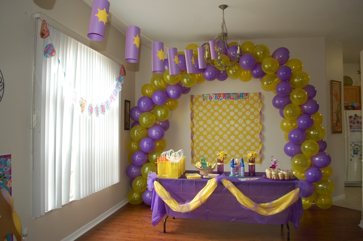 Tangled birthday decorations