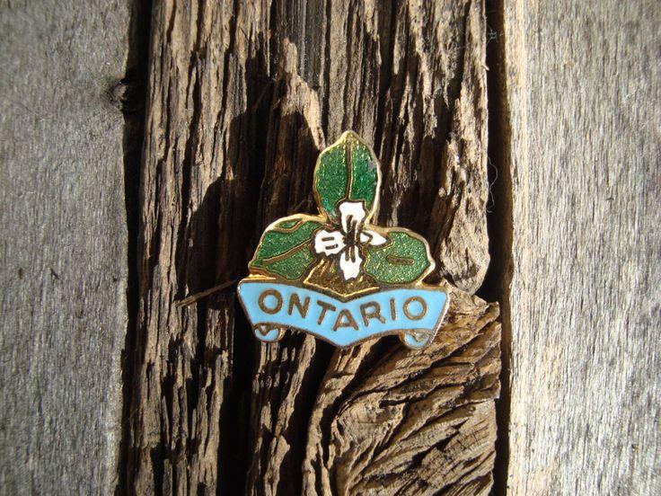 Vintage Souvenir Pin // Ontario// Trillium // Provincial Flower // Canada by FrecklefaceFelt on Etsy https://www.etsy.com/ca/listing/498653847/vintage-souvenir-pin-ontario-trillium