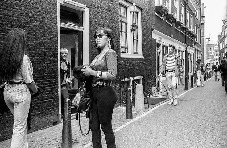 What Amsterdam's Red Light District Looked Like in the 1990s