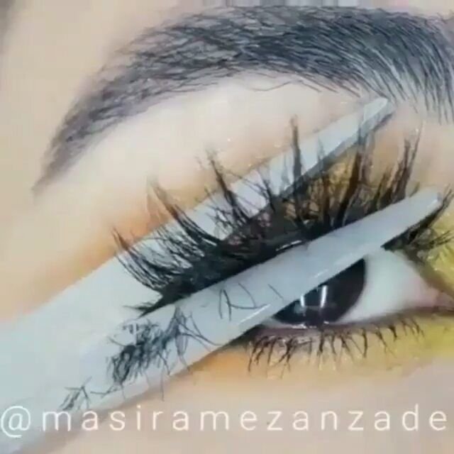 OMGGG.... FOLLOW @beauttyyclips Credits go to @masiramezanzade . . . -#makeupartist #makeupjunkie #obsessed #beauty #makeup #professionalmakeup #art #artist #lipstick #redlipstick #lipstickjunkie #love #f4f #follow #like4like #hudabeauty #huda #makeuplook #beautyclips #beginner #farsali #limecrime #glitter #colourful #makeuplover #mua #omgpage #eyeshadow #fleeky #fashion #makeup
