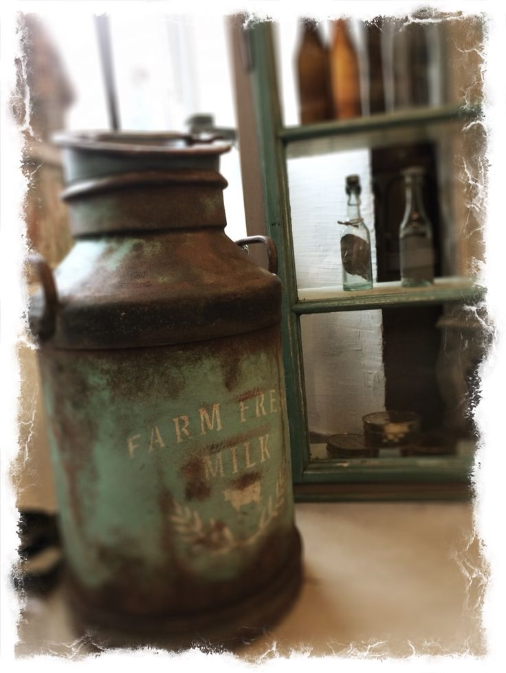 Old milk can. Painted rusty with Chalk paint fra #NordicChic.