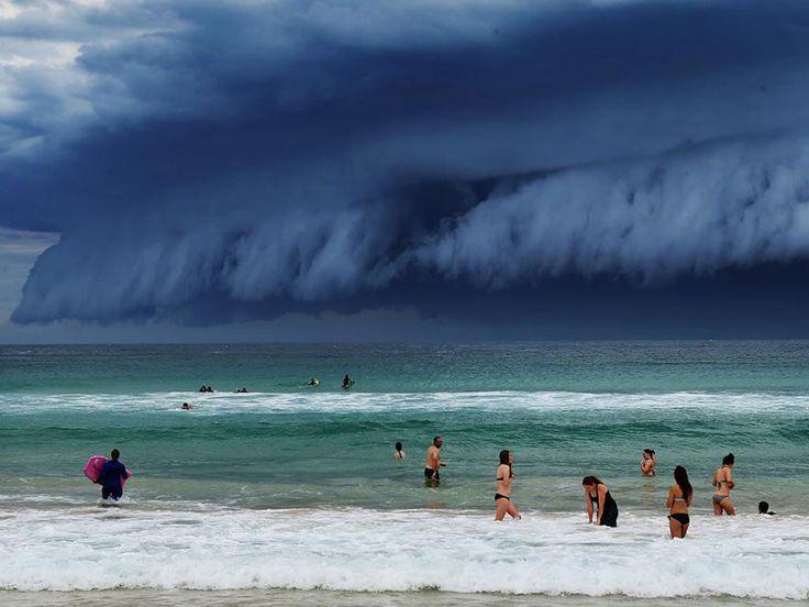 une impressionnante barrière de nuages en Australie  2Tout2Rien