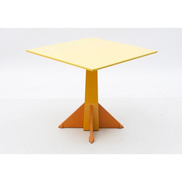 Tavolo quadrato designer Castelli Ferrieri produttore Kartell - Italia anno 1983 colore Giallo