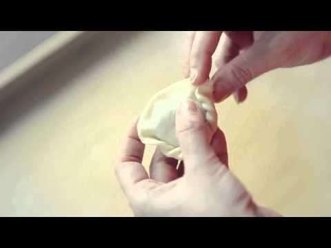 Lepienie pierogów - falbanka