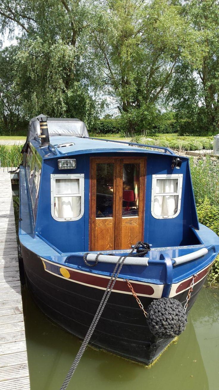 "30ft Springer Narrowboat ""Annie"" 4 berth"