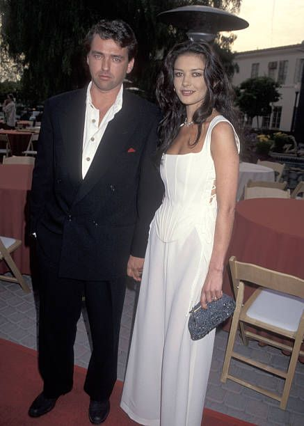 Actor Angus Macfadyen and actress Catherine ZetaJones attend the Braveheart Hollywood Premiere on May 19 1995 at Paramount Studios in Hollywood...
